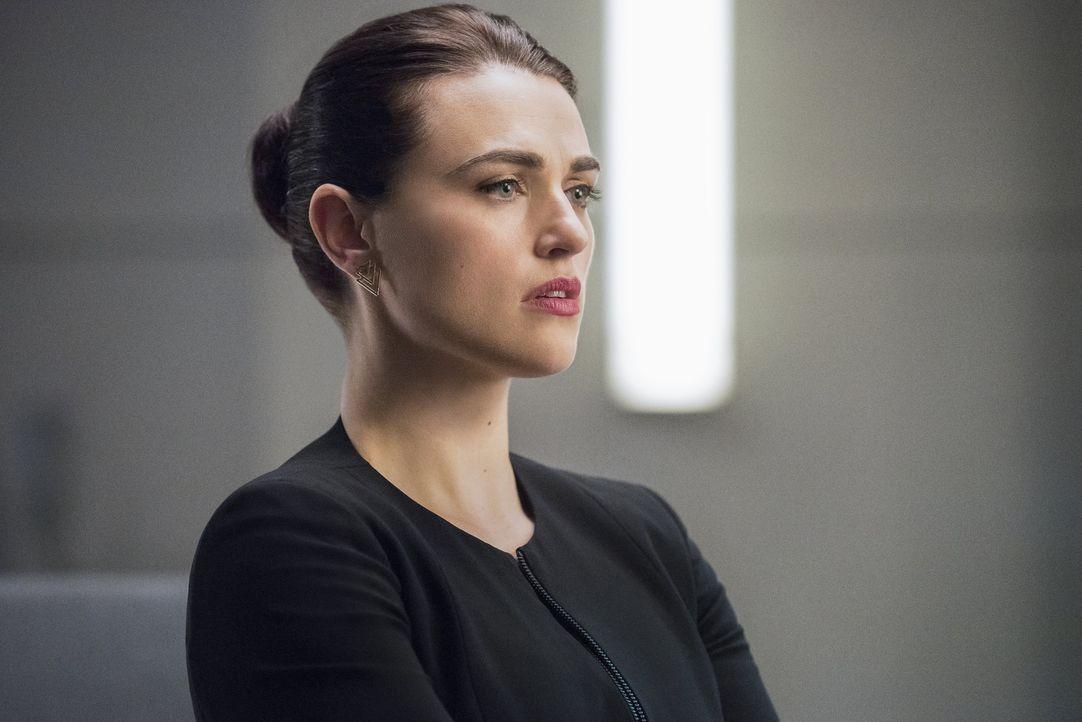Der Vorschlag, den Rhea Lena (Katie McGrath) macht, hat es in sich und bringt diese ins Grübeln ... - Bildquelle: 2016 Warner Brothers