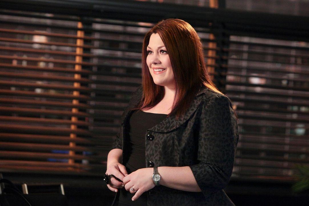 Als ein Ingenieur auf einer Bohrinsel umkommt, werden Jane (Brooke Elliott) und Grayson von dessen Frau beauftragt, die Ölgesellschaft zu verklagen... - Bildquelle: 2012 Sony Pictures Television Inc. All Rights Reserved.