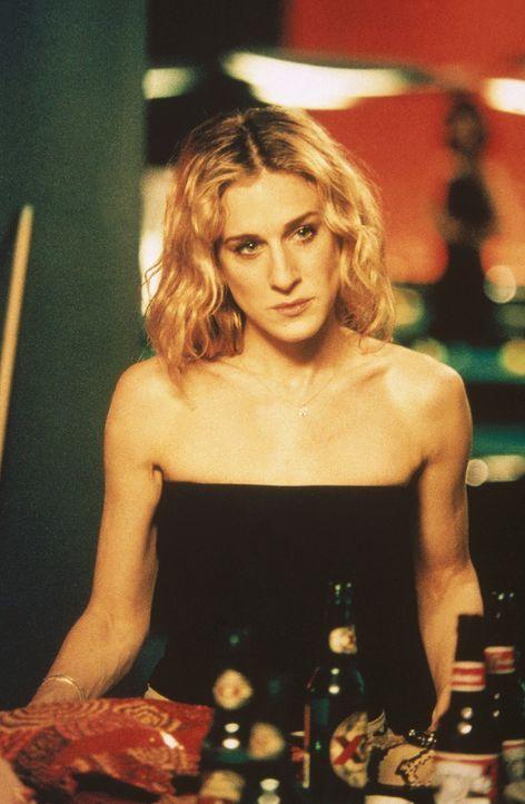 Zwischen Billiard und Bier erfahren Carrie (Sarah Jessica Parker) und Co. von Sams neuer Herausforderung. - Bildquelle: Paramount Pictures