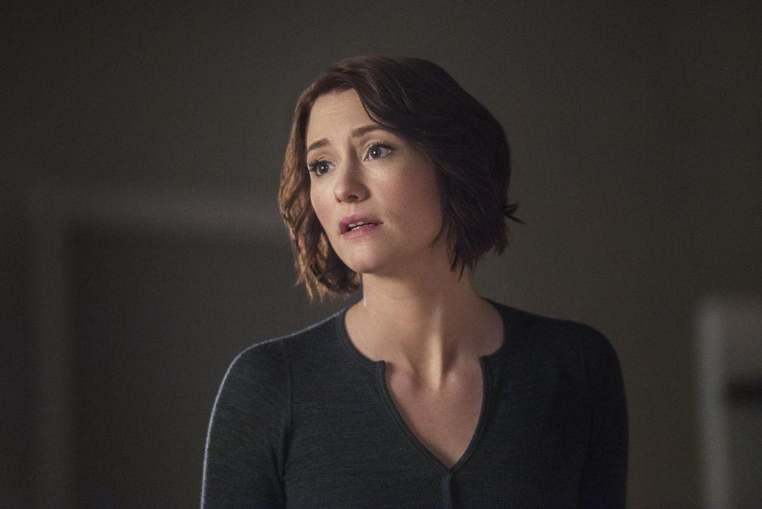 Alex (Chyler Leigh) schwebt in Lebensgefahr, als ein Verbrecher sie ins Visier nimmt ... - Bildquelle: 2016 Warner Brothers