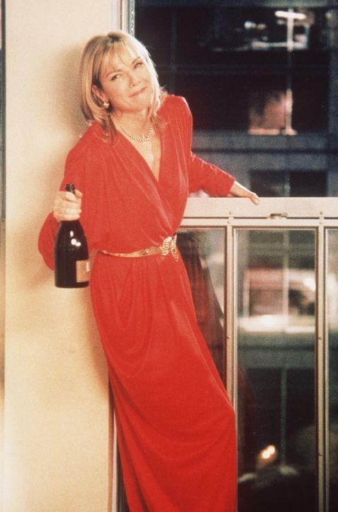 Samantha (Kim Cattrall) ist glücklich über ihre neue Wohnung, ihren beruflichen Erfolg, ihr ausgefülltes Sexualleben und ihr Leben im allgemeinen. - Bildquelle: Paramount Pictures