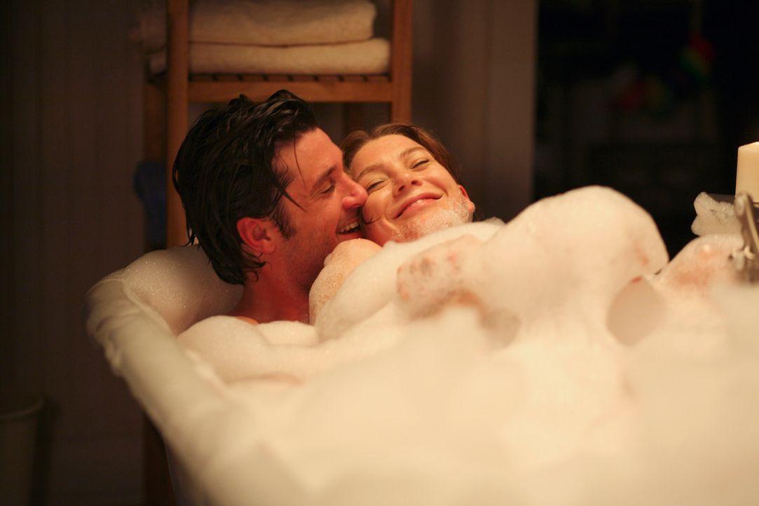 Endlich wieder vereint: Derek (Patrick Dempsey, l.) und Meredith (Ellen Pompeo, r.) ... - Bildquelle: Touchstone Television