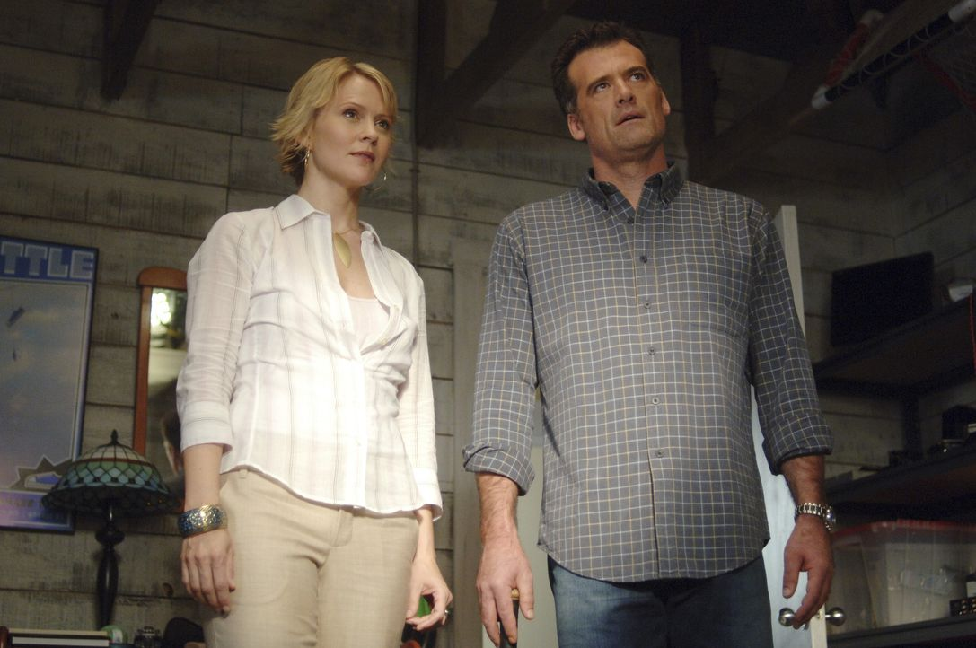 Wollen für Kyle einen eigenen Tutor: Nicole (Marguerite MacIntyre, l.) und Stephen (Bruce Thomas, r.) ... - Bildquelle: TOUCHSTONE TELEVISION