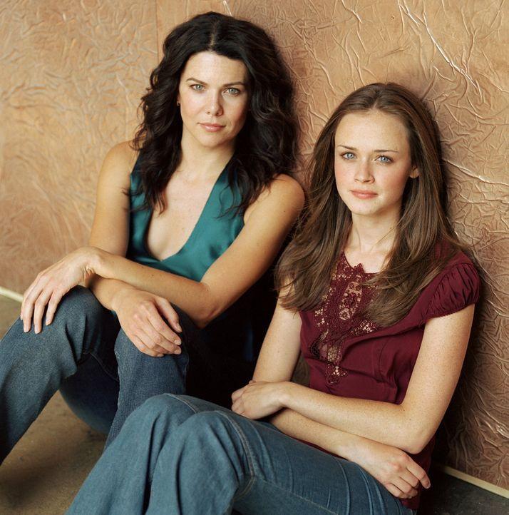(3. Staffel) - Tag für Tag kämpfen sich Lorelai (Lauren Graham, l.) und Rory (Alexis Bledel, r.) durch große und kleine Schwierigkeiten ... - Bildquelle: 2002 Warner Bros.