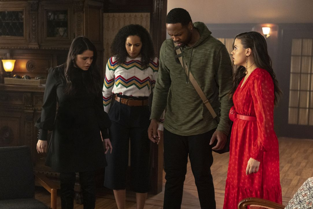 (v.l.n.r.) Mel Vera (Melonie Diaz); Macy Vaughn (Madeleine Mantock); Galvin Burdette (Ser'Darius Blain); Maggie Vera (Sarah Jeffery) - Bildquelle: Colin Bentley 2019 The CW Network, LLC. All rights reserved. / Colin Bentley