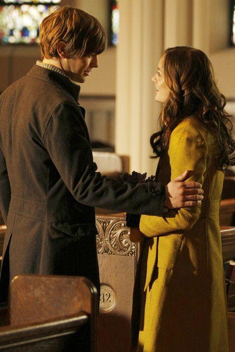 Blair (Leighton Meester, r.) hat keinen Plan für die Zukunft und will sich in der Gesellschaft etablieren, deshalb schließt er einen Deal mit Nates... - Bildquelle: Warner Bros. Television