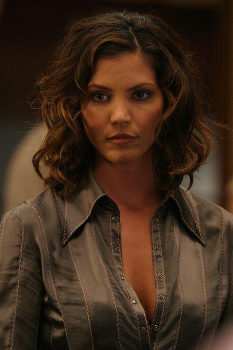Kaum aus dem Koma erwacht, hat Cordelia (Charisma Carpenter) mehrere Probleme am Hals ... - Bildquelle: The WB Television Network