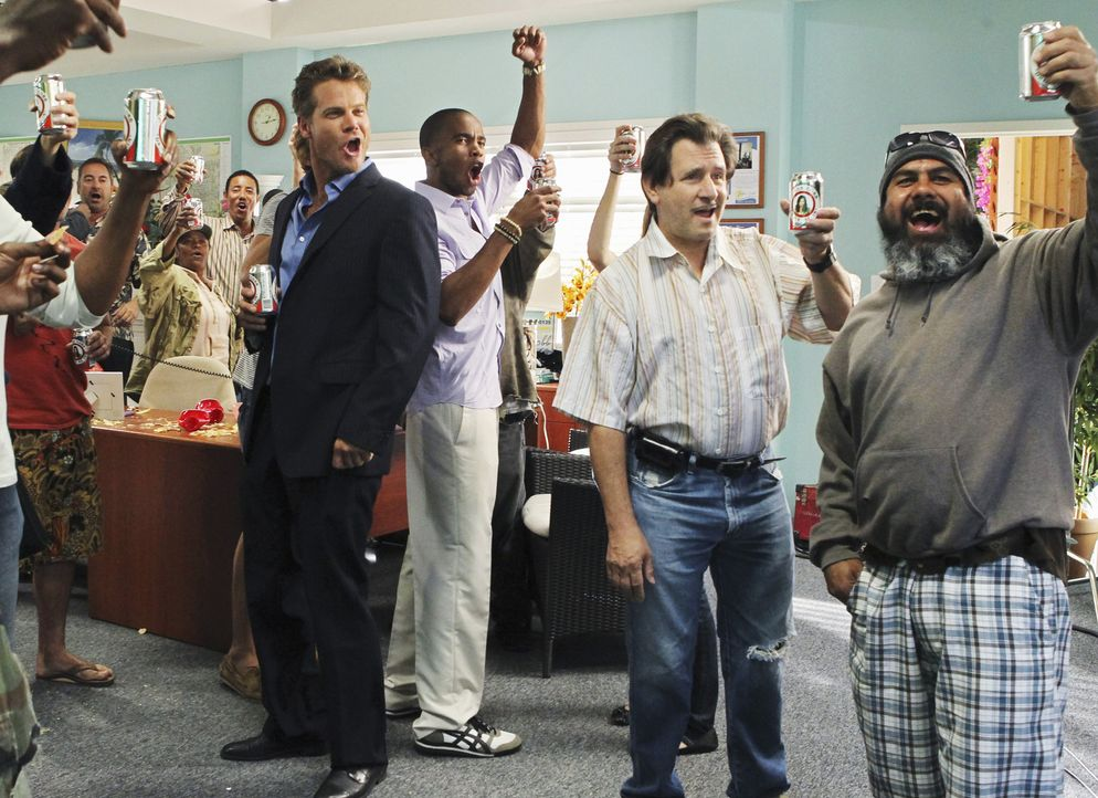 Hat eine ganz besondere Arbeitseinstellung: Bobby (Brian Van Holt, l.) ... - Bildquelle: 2010 ABC INC.