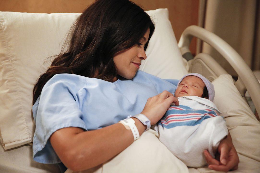 Ist überglücklich über ihr Baby: Jane (Gina Rodriguez) ... - Bildquelle: 2014 The CW Network, LLC. All rights reserved.