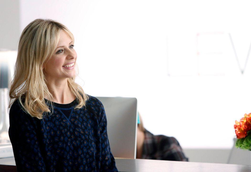 Sydney (Sarah Michelle Gellar) ist aufgeregt, als sie Simons neue Freundin kennenlernt ... - Bildquelle: 2014 Twentieth Century Fox Film Corporation. All rights reserved.