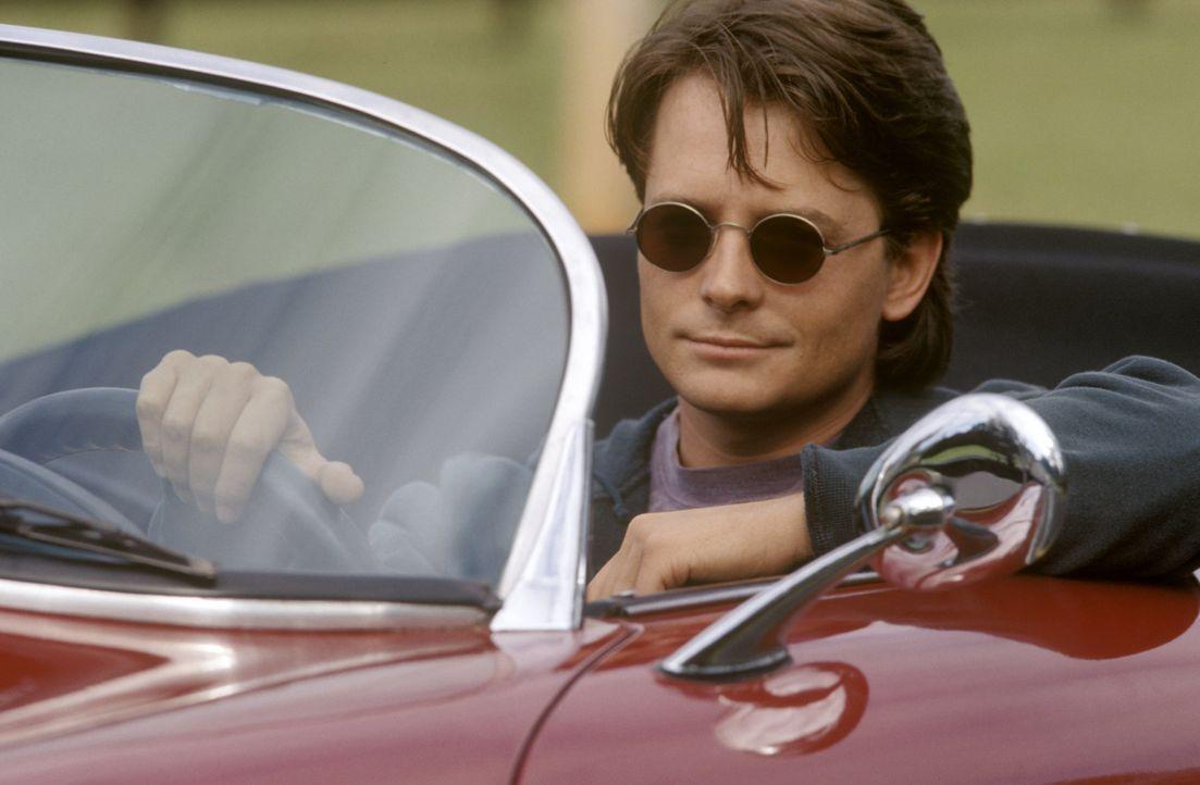 Eigentlich will der junge Doktor Ben Stone (Michael J. Fox) Schönheitschirurg in Beverly Hills werden, doch dann landet er durch ein paar unglücklic... - Bildquelle: Warner Bros.