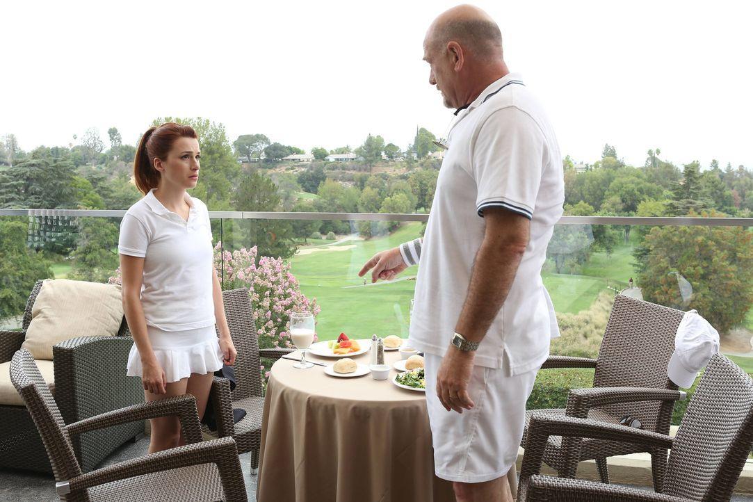 Nachdem Jimmy ihren Eltern erzählt hat, wie Gretchen (Aya Cash, l.) wirklich lebt, sind Fred (Stephen Mendel, r.) und seine Frau zutiefst enttäuscht... - Bildquelle: TM &   2014 Fox and its related entities.  All rights reserved.