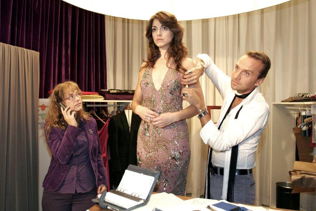 Mariella (Bianca Hein, M.) fühlt sich von all dem Rummel um sie herum überfordert und droht zu Lisas (Alexandra Neldel, l.) und Hugos (Hubertus Re... - Bildquelle: Noreen Flynn Sat.1