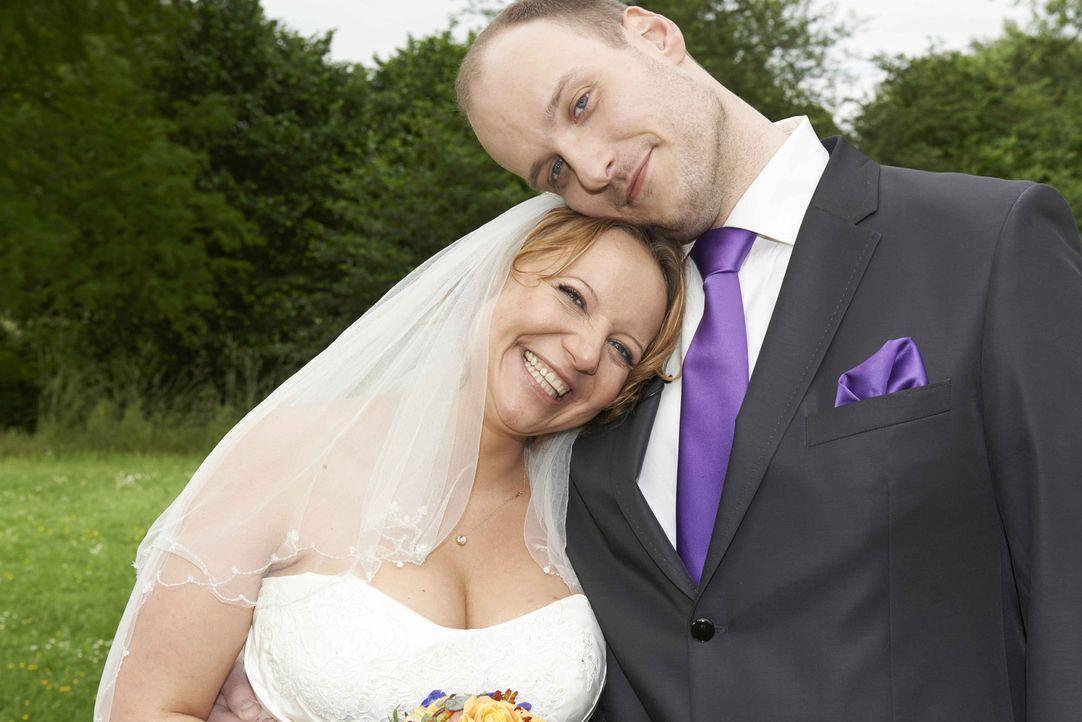 Sind sie immer noch glücklich miteinander? Bea (l.) und Tim (r.) ... - Bildquelle: SAT.1