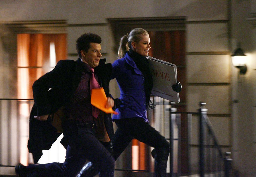 Zwischen Daniel (Eric Mabius, l.) und seiner Schwester Alexis (Rebecca Romijn, r.) beginnt ein Wettlauf der ganz besonderen Art ... - Bildquelle: Buena Vista International Television