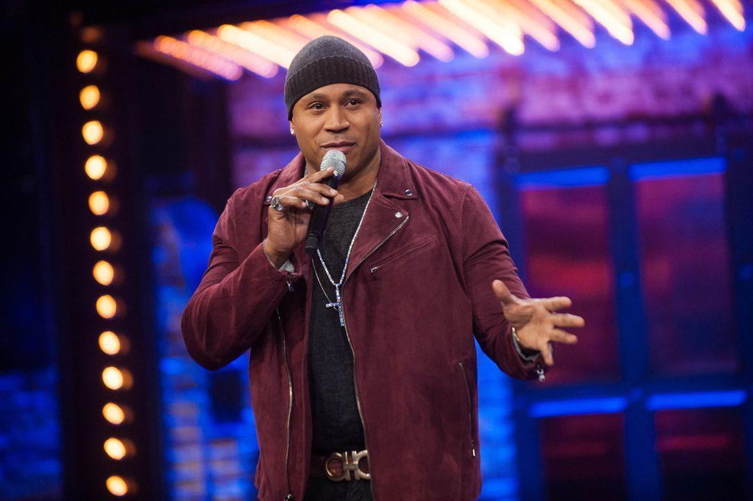 LL Cool J lässt bekannte Amerikanische Stars beim Playback-Singen gegeneinander antreten und das Publikum entscheidet, wer das Rennen macht ... - Bildquelle: Scott Gries Spike TV/Viacom