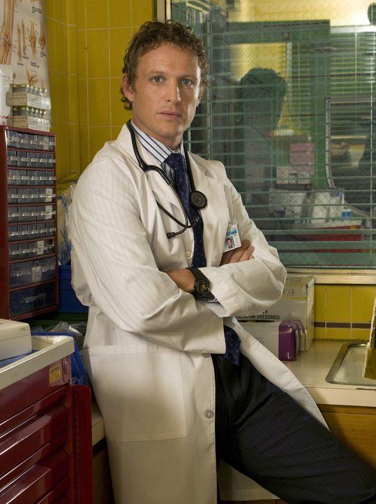 (15. Staffel) - Der Frauenversteher Dr. Simon Brenner (David Lyons) unterstützt das Team der Notaufnahme ... - Bildquelle: Warner Bros. Television