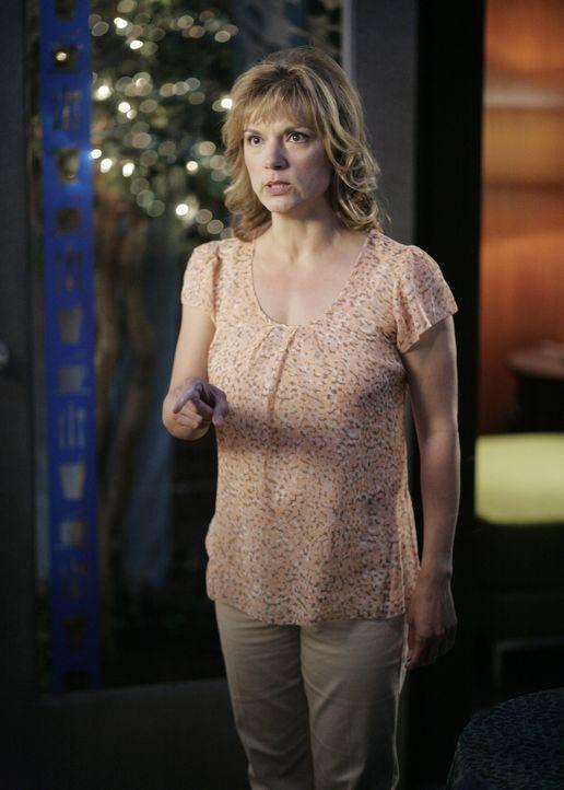 Mrs. Bloom (Teryl Rothery) ist völlig außer sich, als sie erfährt, dass ihre Tochter sich ihren Regeln widersetzt ... - Bildquelle: TOUCHSTONE TELEVISION