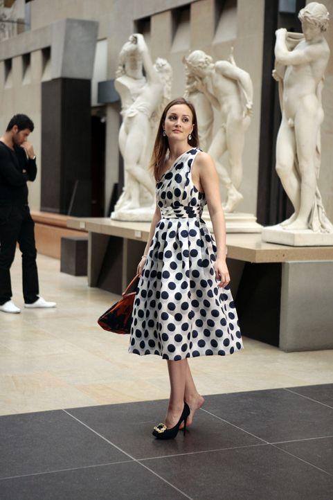 Immer noch in Paris, lernt Blair (Leighton Meester) einen gut aussehenden jungen Mann kennen, den sie für einen Nachkommen der königlichen Familie a... - Bildquelle: Warner Brothers