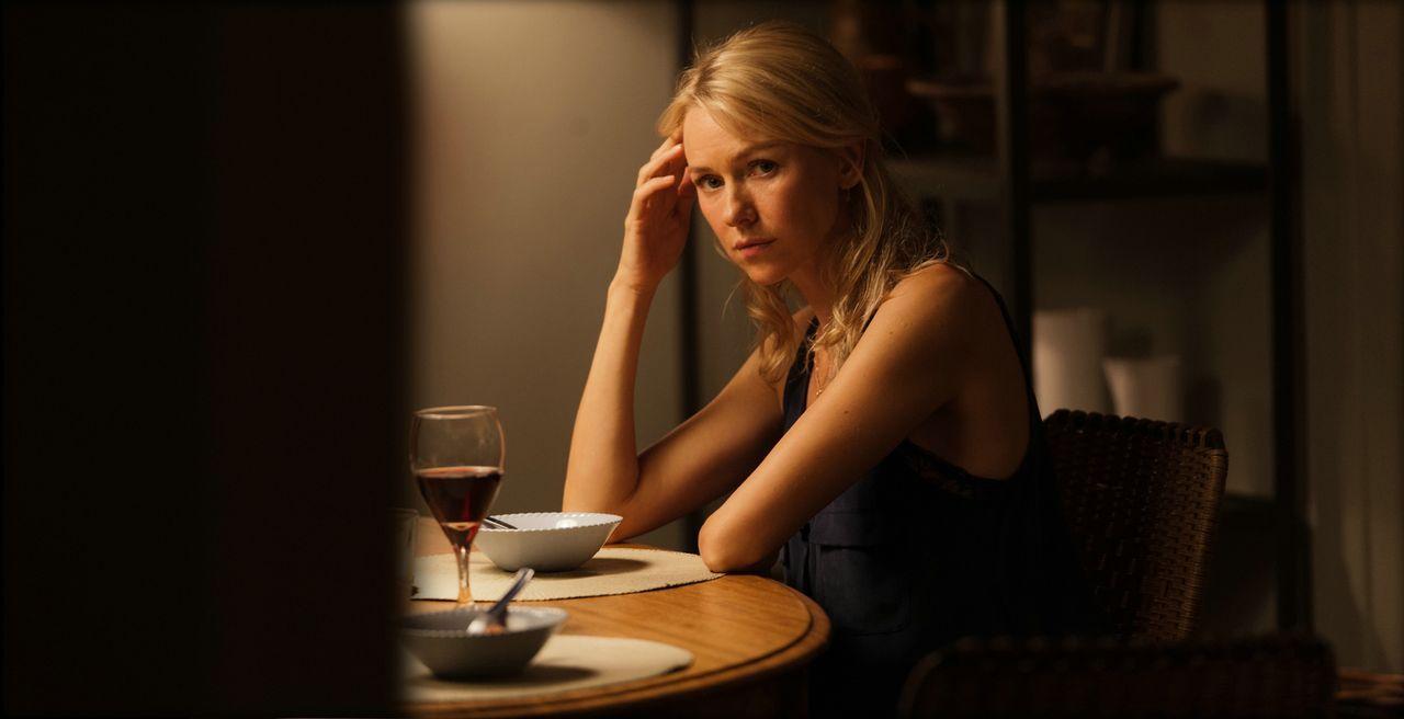 Wird ihre Freundschaft zu Roz wegen der Affäre zu den Söhnen standhalten? Lil (Naomi Watts) ... - Bildquelle: 2013 Concorde Filmverleih GmbH