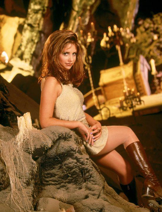 (1. Staffel) - Nach einem Hexen-Ritual wird die Vampirjägerin Buffy (Sarah Michelle Gellar) wieder zum Leben erweckt. - Bildquelle: (1997) Twentieth Century Fox Film Corporation.