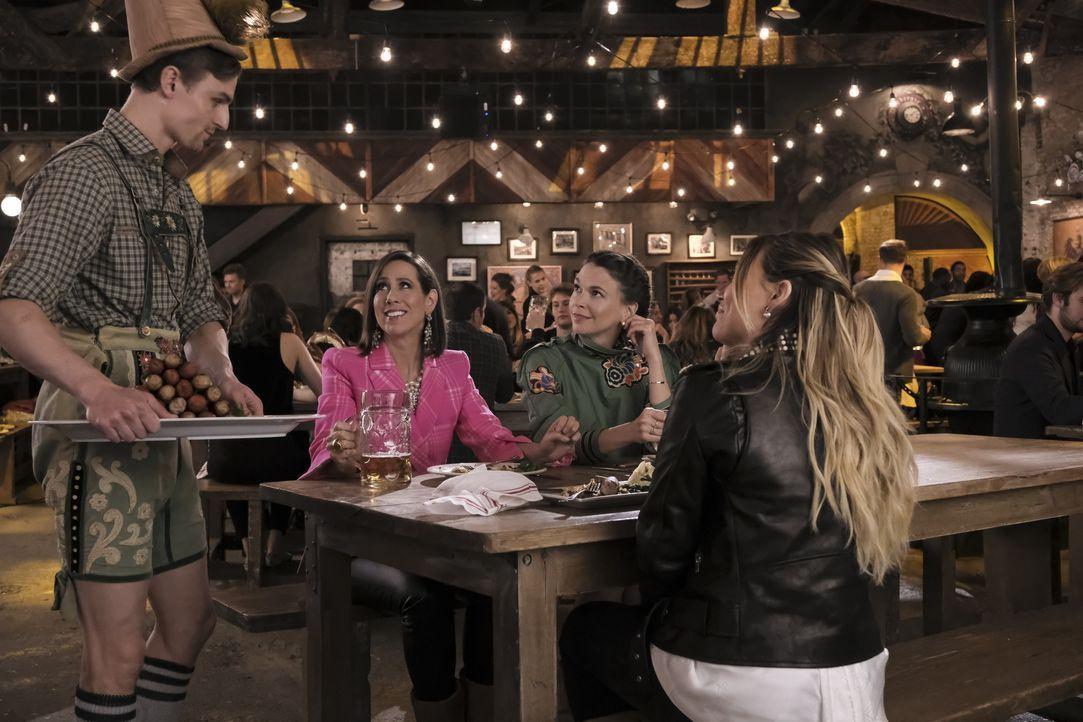 (v.l.n.r.) Reid Prebenda; Diana Trout (Miriam Shor); Liza Miller (Sutton Foster); Kelsey Peters (Hilary Duff) - Bildquelle: Hudson Street Productions Inc 2018