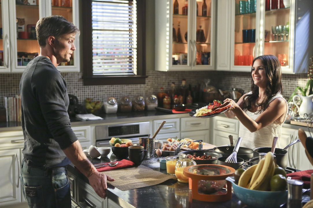 Hart of Dixie: Zoe kocht für Wade - Bildquelle: Warner Bros. Entertainment Inc.