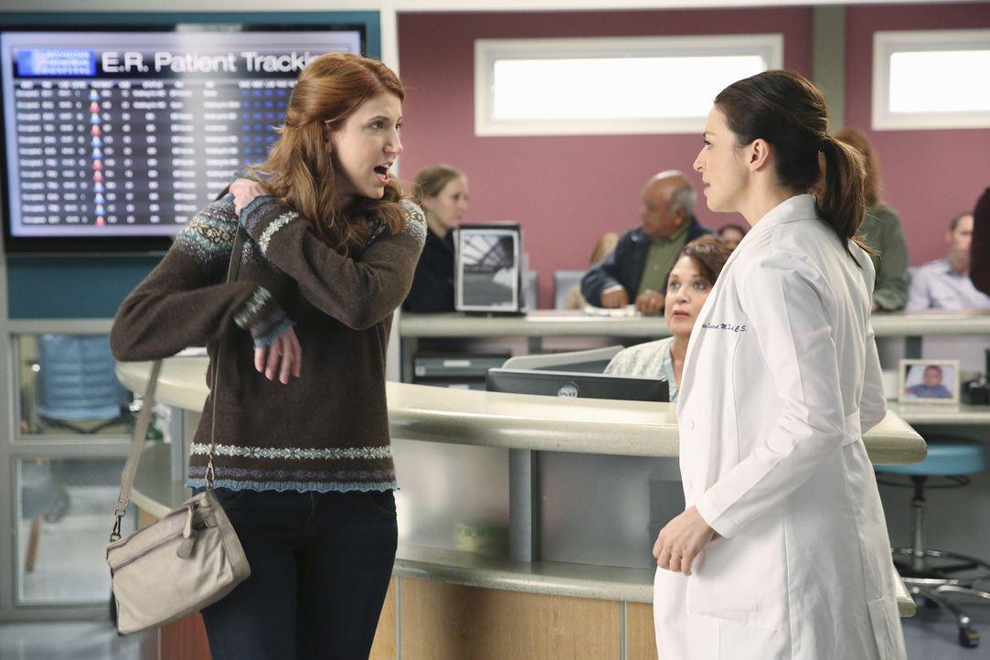 Durch eine zufällige Begegnung mit einer alten Bekannten (Jessica Gardner, l.) gerät Amelias (Caterina Scorsone, r.) berufliche Zukunft plötzlich in... - Bildquelle: ABC Studios