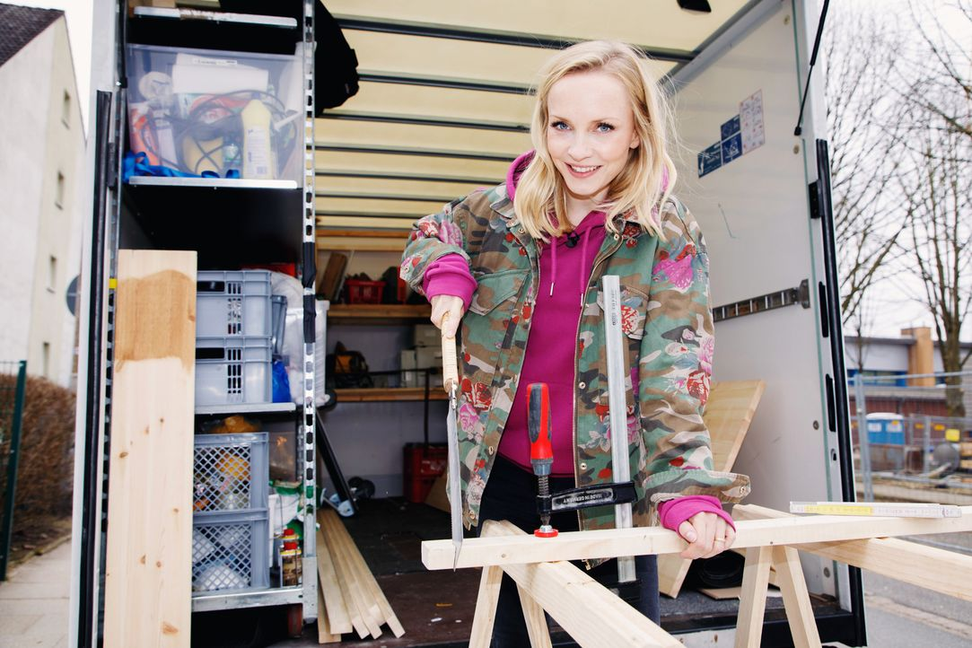Sie kennt alle Tipps und Tricks im Heimwerker-Geschäft: Moderatorin Janin Ullmann - Bildquelle: Morris Mac Matzen / Martin Rottenkolber sixx/Morris Mac Matzen