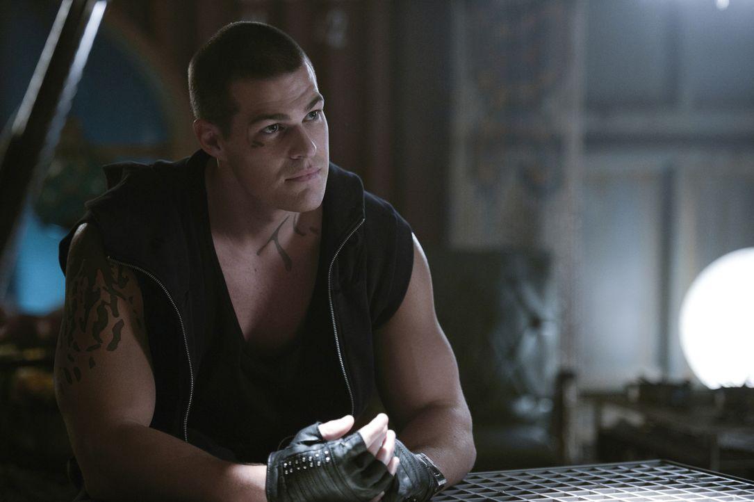 Was wird Drake (Greg Finley) tun, als Vega ihn zum neuen Agenten außerhalb des Sektors, in einer fremden Stadt, machen will? - Bildquelle: 2014 The CW Network, LLC. All rights reserved.