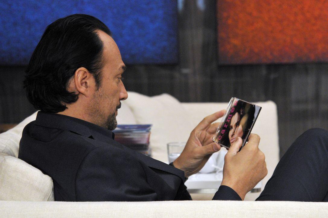 Carmen hat ein Treffen mit dem Musikproduzenten Benny Soto (Carlos Leal) ergattert. Doch er will noch mehr, als nur gemeinsam Musik zu machen ... - Bildquelle: ABC Studios