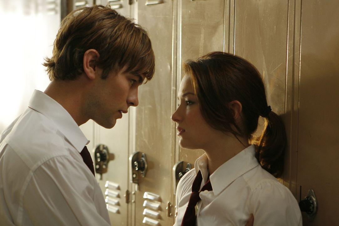 Kaum an der neuen Schule, wird Molly (Haley Bennett, r.) auch schon von dem begehrten Joseph (Chace Crawford, l.) angebaggert. Doch Molly quälen so...