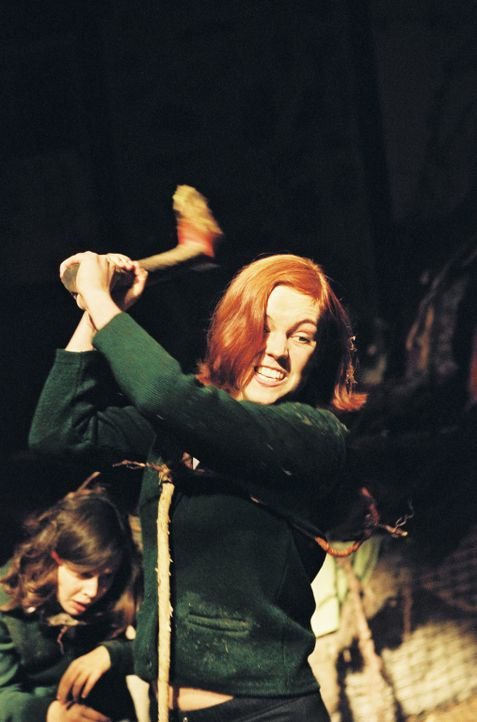 Die wichtigste Lektion, die die Schülerinnen (Agnes Bruckner) im Mädcheninternat Falburn lernen, lautet: Aus dem Wald gibt es kein Entkommen! - Bildquelle: Copyright   2006 Cinegreen Internationale Filmproduktionsgesellschaft mbH & Co. 1 Beteiligungs KG. All Rights Reserved.