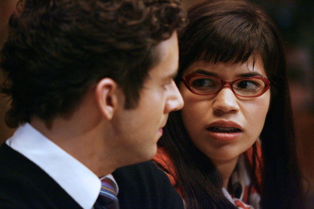 Marc (Michael Urie, l.) Mutter kommt zu Besuch, Amanda ist bereit, wie immer als Alibi-Freundin einzuspringen. Doch Marc hat seiner Mutter erzählt,... - Bildquelle: Buena Vista International Television