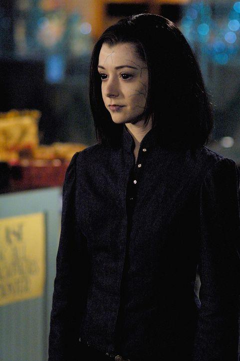 Nachdem Willow (Alyson Hannigan) Warren auf grausamste Weise getötet hat, setzt sie ihren Rachefeldzug ungeachtet der Beruhigungsversuche ihrer Freu... - Bildquelle: TM +   Twentieth Century Fox Film Corporation. All Rights Reserved.