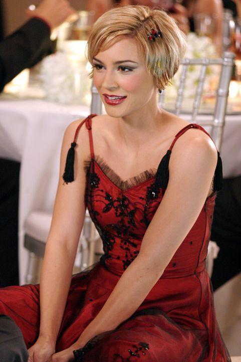 Anna (Samaire Armstrong) freut sich über Seths Einladung zu 'Weihnukkah', doch dann entdeckt sie plötzlich Summer ... - Bildquelle: Warner Bros. Television