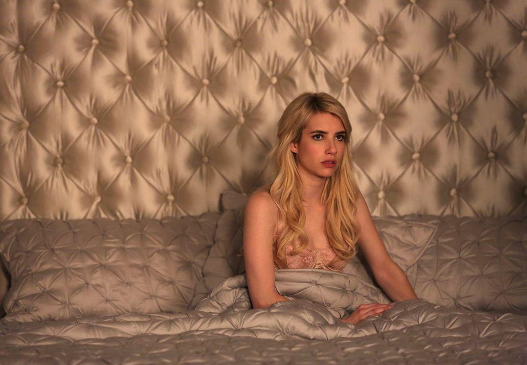 Noch ahnt Chanel (Emma Roberts) nicht, dass ihr Leben mehr in Gefahr ist als je zuvor ... - Bildquelle: 2015 Fox and its related entities.  All rights reserved.