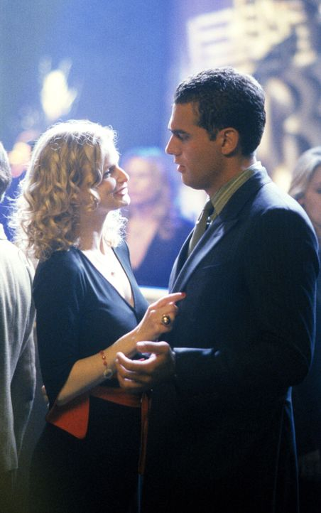Eine sonderbare Liebe: Helen (Kyra Sedgwick, l.) und Steven (Dwier Brown, r.) ... - Bildquelle: 2002 Twentieth Century Fox Film Corporation. All rights reserved.