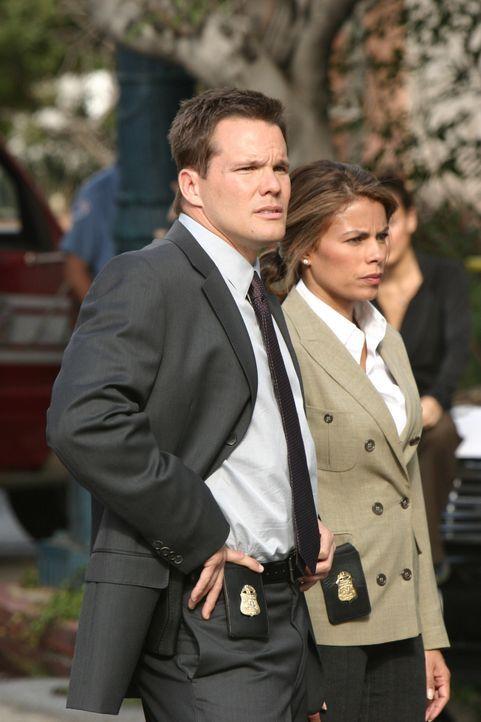 Versuchen einen neuen Fall aufzulösen: Colby (Dylan Bruno, l.) und Agent Jennifer Malloy (Lisa Vidal, r.) ... - Bildquelle: Paramount Network Television