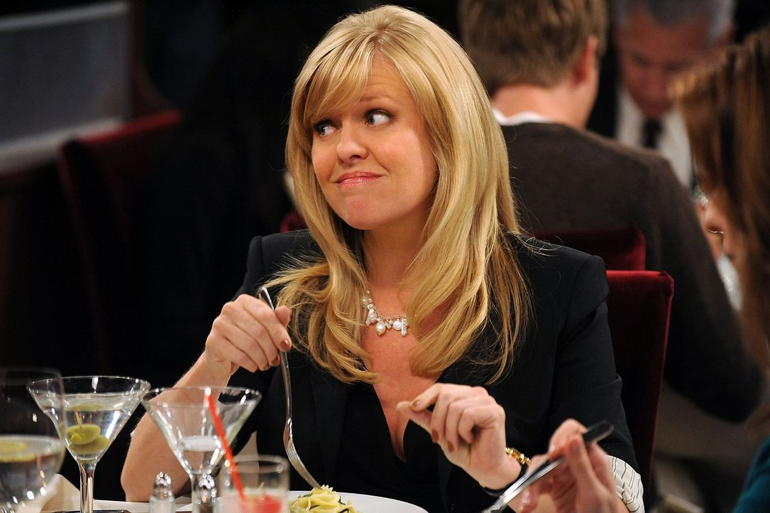 Hat immer einen guten Rat für ihre Freundinnen parat: Olivia (Ashley Jensen) - Bildquelle: 2009 CBS Broadcasting Inc. All Rights Reserved
