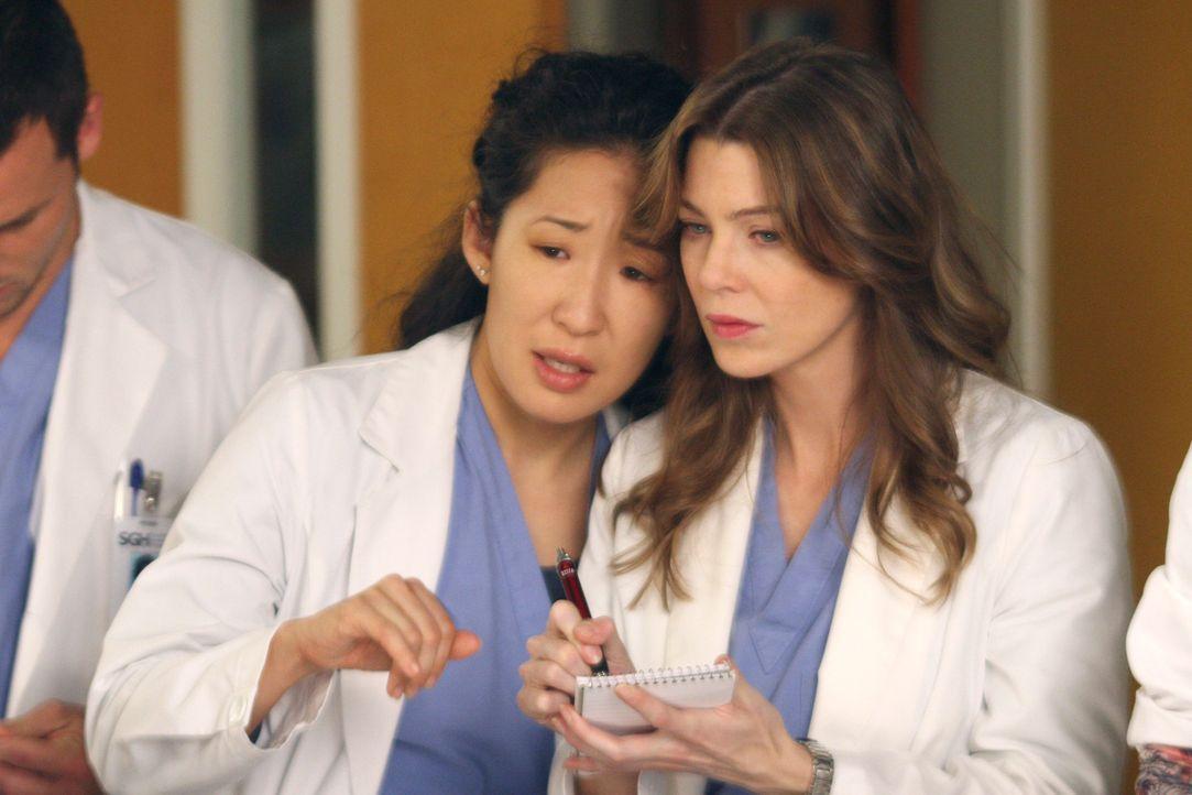 Nehmen sich das Schicksal der jungen Heather sehr zu Herzen: Cristina (Sandra Oh, l.) und Meredith (Ellen Pompeo, r.) ... - Bildquelle: Touchstone Television