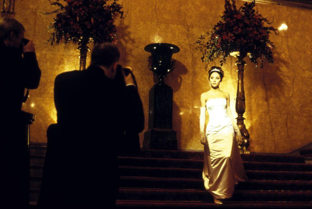Weil die Wahl ihres Vaters zum Premierminister bevorsteht, hält Daphne (Amanda Bynes) ihr ungestümes Temperament im Zaum und passt sich den verstaub... - Bildquelle: Warner Bros.