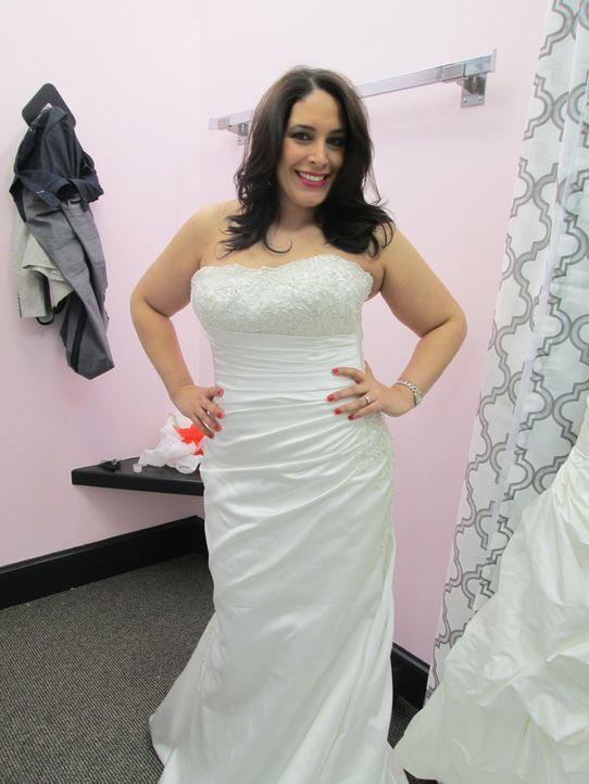 Findet Deborah Alicea ihr perfektes Hochzeitskleid zum günstigen Preis? - Bildquelle: TLC