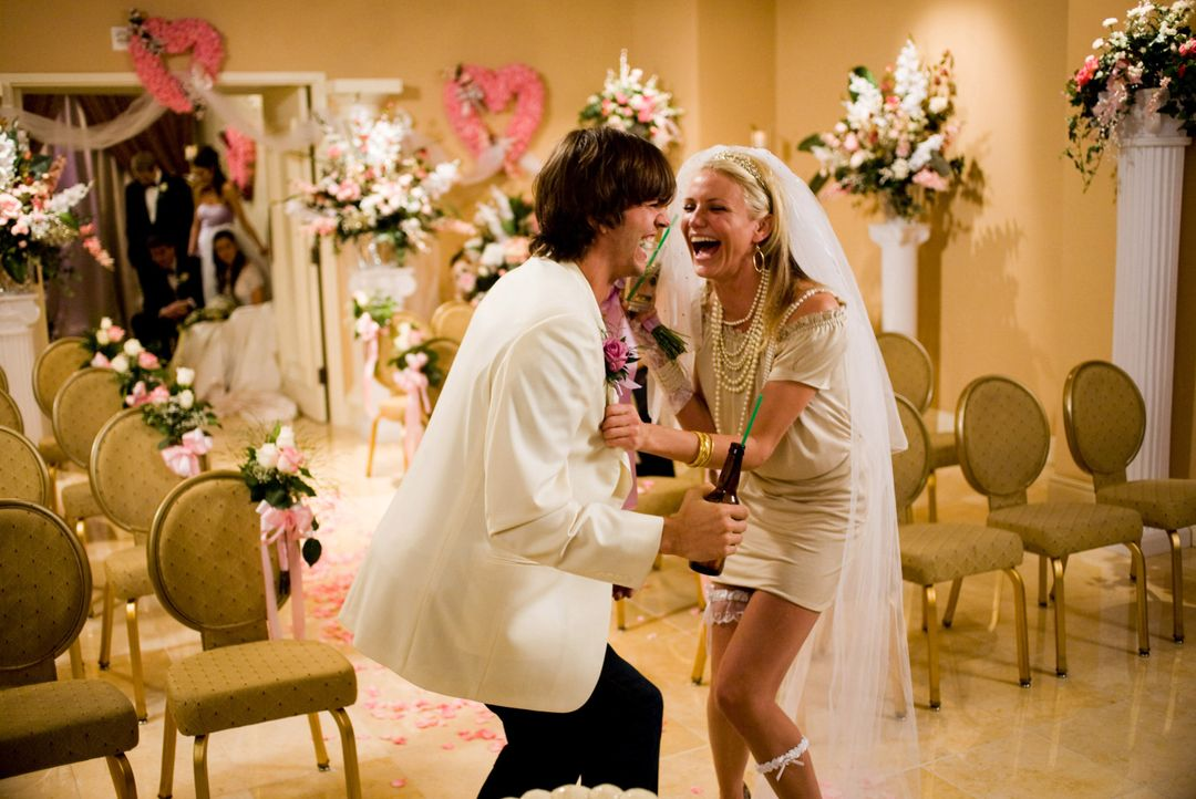 Jack Fuller (Ashton Kutcher, l.); Joy McNally (Cameron Diaz, r.) - Bildquelle: K. C. Bailey 2008 Twentieth Century Fox Film Corporation. All rights reserved. / K. C. Bailey