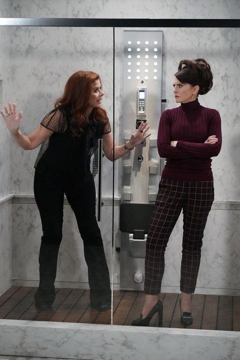 Grace (Debra Messing, l.) und Karen (Megan Mullally, r.) geraten gemeinsam in eine missliche Lage, was schließlich sogar ihre Freundschaft gefährdet... - Bildquelle: Chris Haston 2017 NBCUniversal Media, LLC / Chris Haston