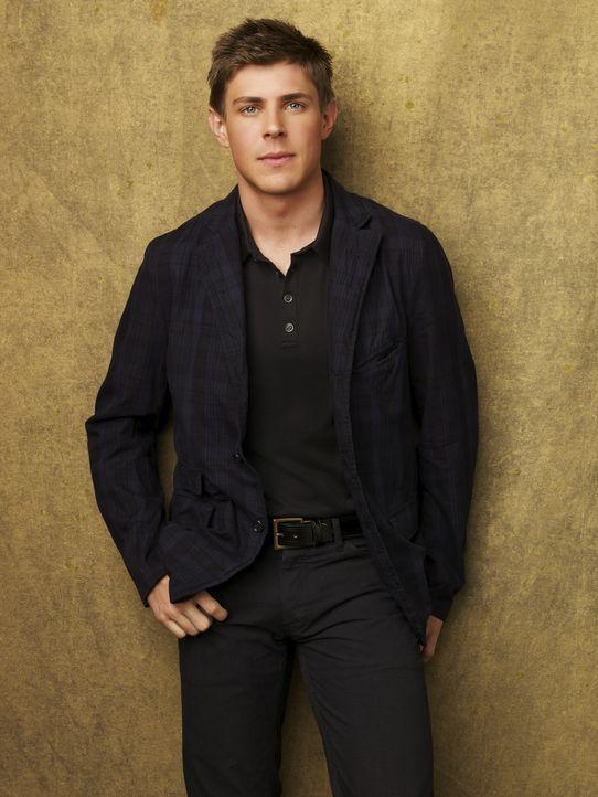 (3. Staffel) - Rezeptionist William Dell Parker (Chris Lowell) ist ein Surfer-Typ, sein Interesse gilt allerdings der Medizin ... - Bildquelle: ABC Studios