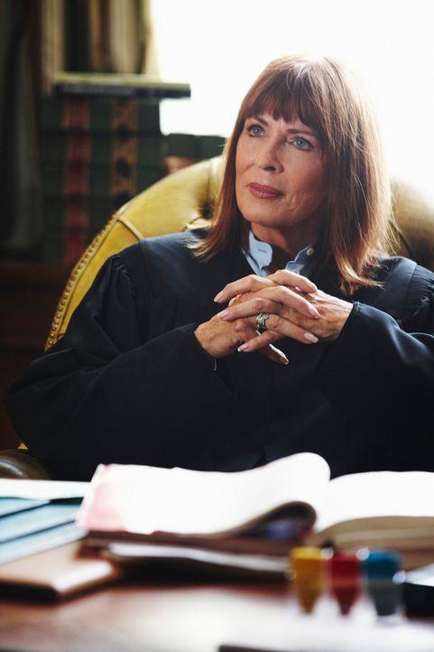Megan bittet  in ihrem neuen Fall, ihre Mutter (Joanna Cassidy, r.) um Hilfe ... - Bildquelle: ABC Studios