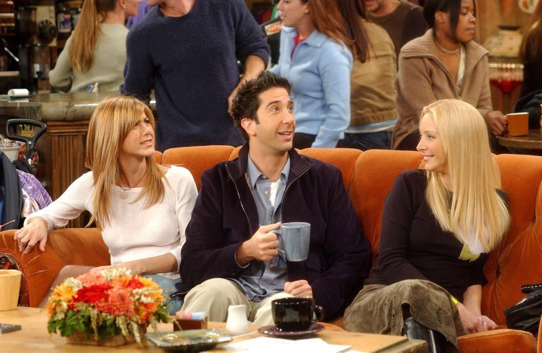 Frischluftgespräche: Rachel (Jennifer Aniston, l.), Ross (David Schwimmer, M.) und Phoebe (Lisa Kudrow, r.) ... - Bildquelle: 2003 Warner Brothers International Television