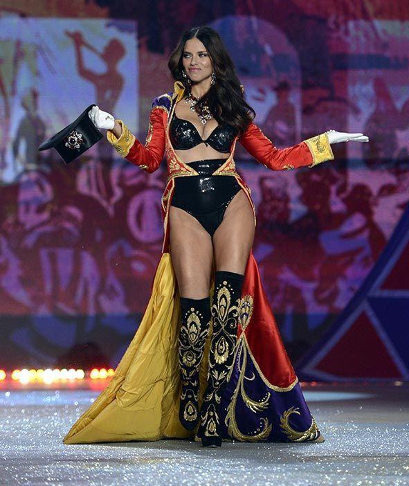 Adriana Lima als Victoria's Secret Engel - Bildquelle: AFP