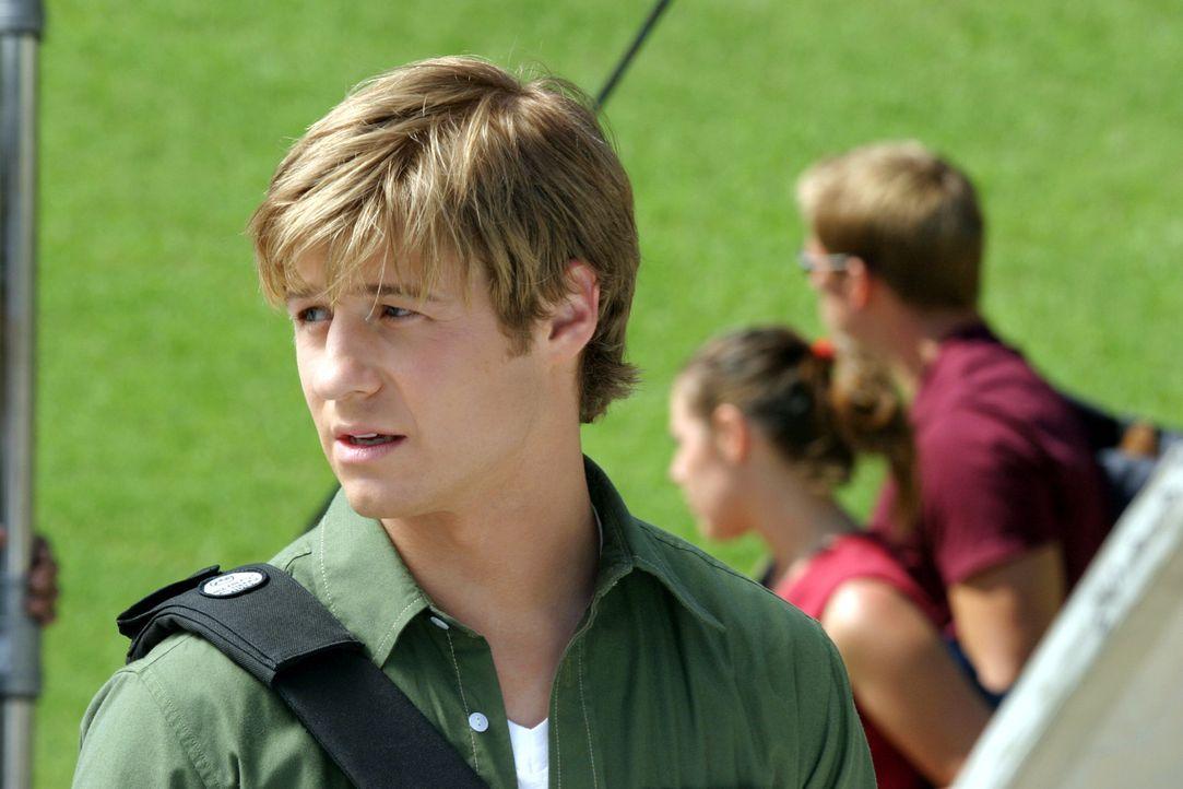 Da Ryan (Benjamin McKenzie) das Gefühl hat, in diese fremde Umgebung nicht zu passen, ist ihm etwas mulmig vor dem ersten Schultag ... - Bildquelle: Warner Bros. Television